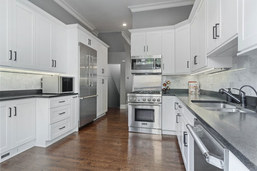 Lincoln Park - 2321 North Halsted Street, Chicago, IL 60614 - Kitchen